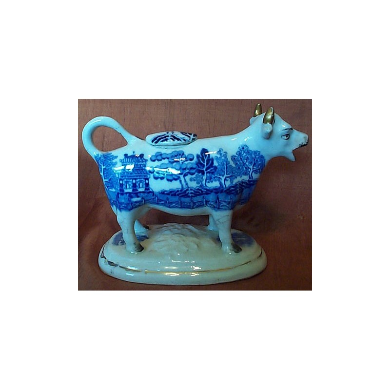Willow pattern cow creamer