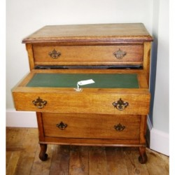 Small oak secretaire chest